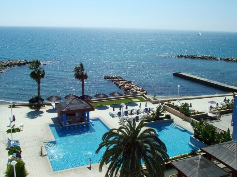 Hotele nad morzem (2)